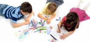 كيف تعلم طفلك الامساك بالقلم